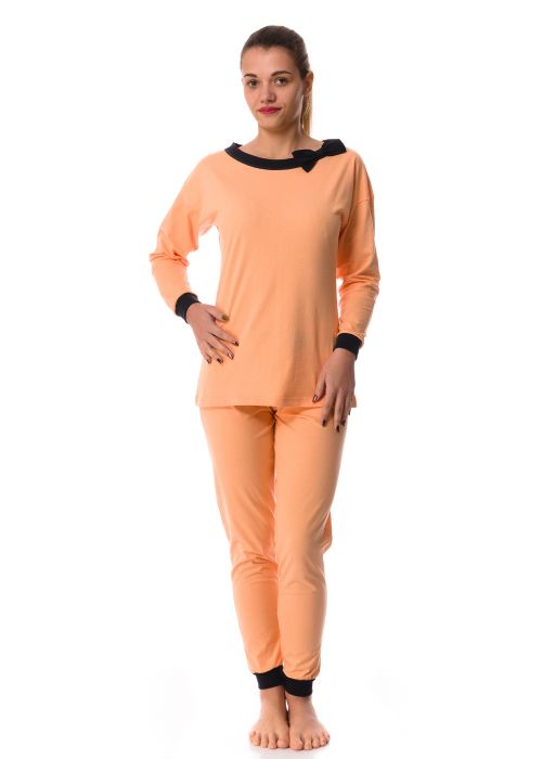 Ladies' long sleeve pyjamas